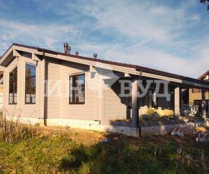 Остекление одноэтажного дома из клееного бруса