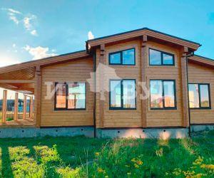 Завершены работы над монтажом окон в деревянном доме