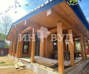 Остекление деревянного дома окнами из дуба