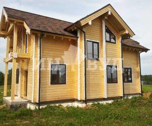 Закончены работы по установке окон в двухэтажном деревянном доме