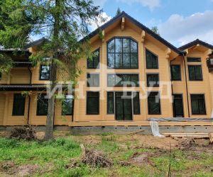 Остекление деревянными окнами сосны цвета венге