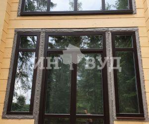 Остекление загородной резиденции деревянными окнами