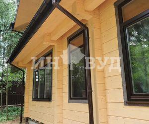 Остекление загородной резиденции деревянными окнами инвуд