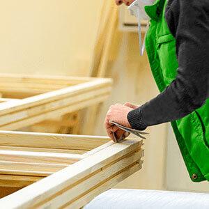Основные преимущества окна сделанного из клееного бруса для загородного дома или квартиры