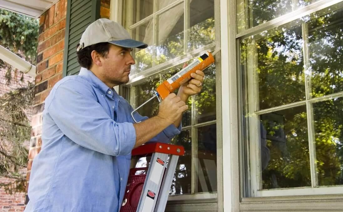 Внешняя и внутренняя герметизация деревянных окон, откосов.