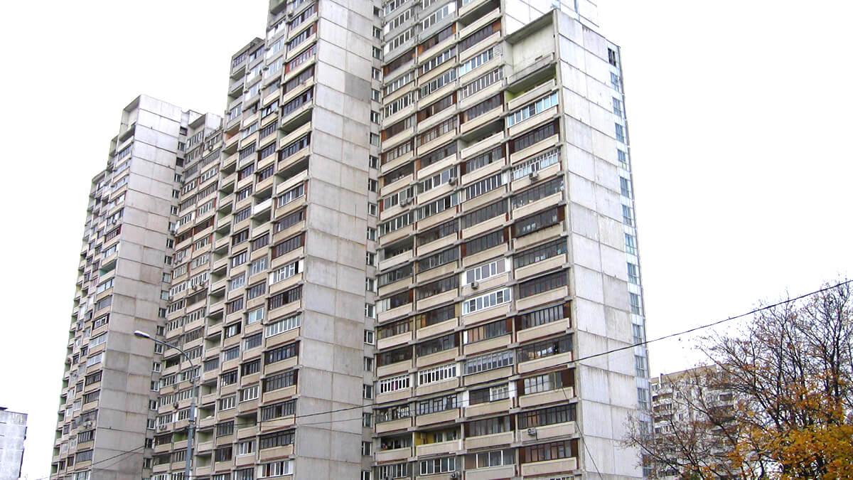 Панельный дом И-700А, белый, фото лоджий и балконов, остекление ПВХ окнами, фотография в Москве