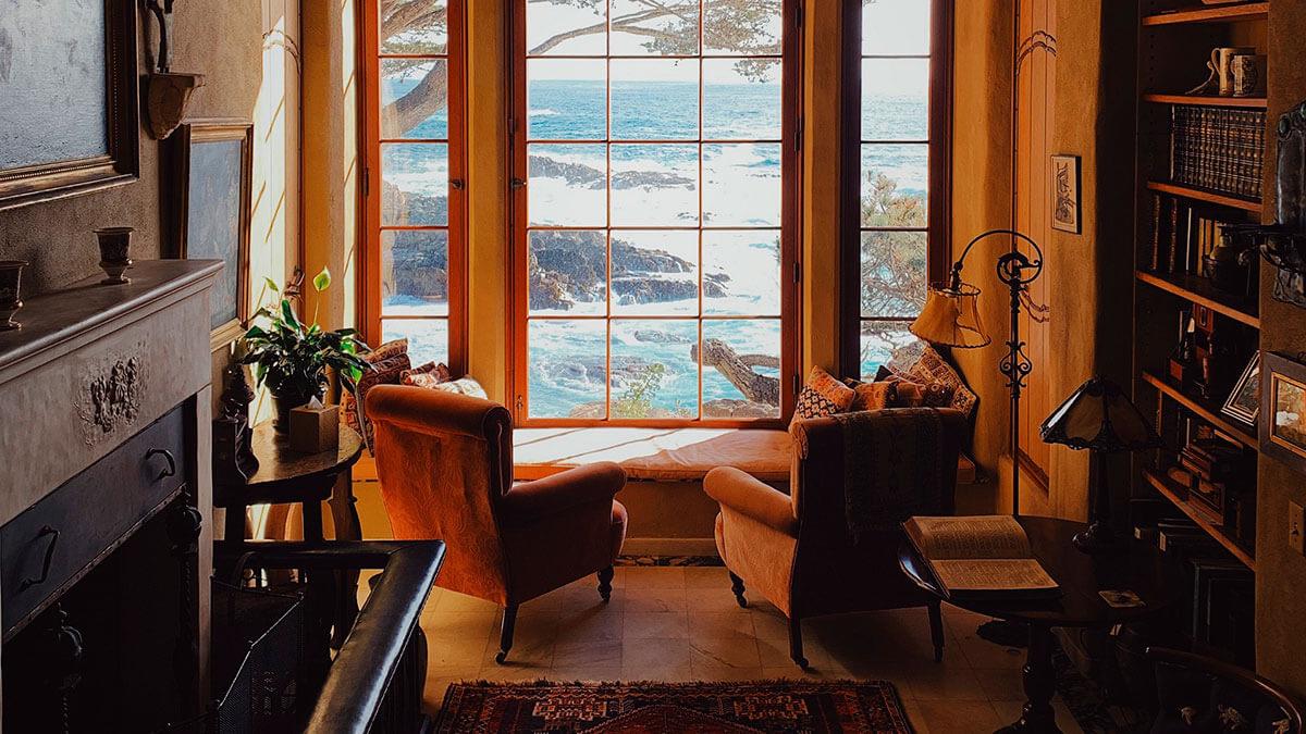 Деревянные окна из дуба на заказ. Пример работы монтажа окон в доме